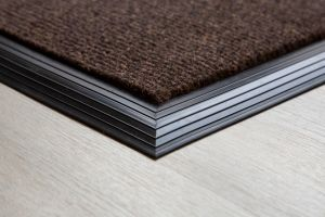 brown-brush-matting-135mm-with-rubber-edge