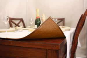 Caramel Brown Tableshield - Circle